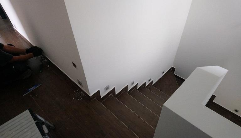 villanyszerelés-lépcsővilágítás